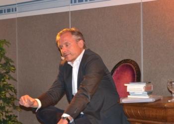 Flic Flac in Worten: Axel Hacke mit Zugabe im Laacher Forum